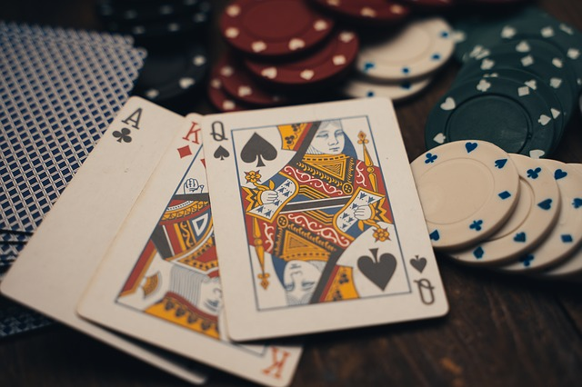 This image has an empty alt attribute; its file name is gambling-4178464_640.jpg